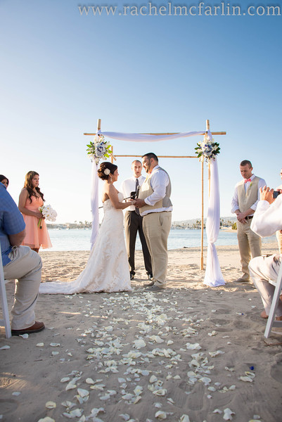 Bahia Resort San Diego Destination Beach Weddinghttp://bahiahotel.com/weddings/San Diego Wedding Photographer - www.rachelmcfarlinphotography.com
